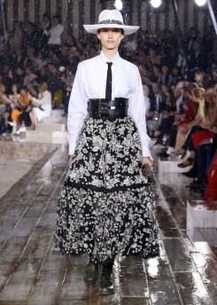 DIOR_CRUISE 2019_LOOK_13