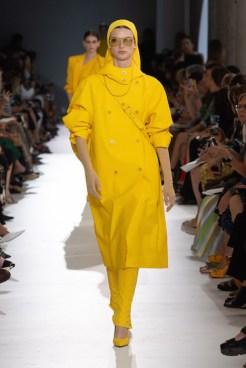 13 MAXMARA SS19 MFW RUNWAY fashiondailymag