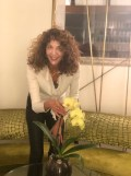 SPRING BEAUTY BRIGITTE SEGURA CURLY HAIR GOLD NAILS PRIVE BY LAURENT D 5