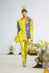 SHUTINGQIU_SS20_Look6 SHANGHAI RUNWAY faves FashionDailyMag Brigitteseguracurator