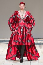 Alexander McQueen fall 2020 paris fashion week photo Imaxtree FASHIONDAILYMAG brigitteseguracurator 12