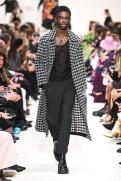 Valentino_60_is5_1126 fall 2020 paris fashion week photo Imaxtree FASHIONDAILYMAG brigitteseguracurator