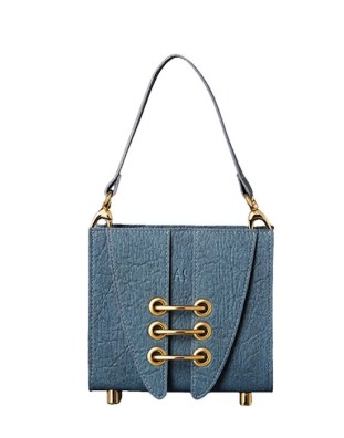 ITALIAN WOMAN timeless pieces brigitteseguracurator fashion daily mag 212