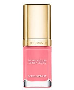 Один из вариантов макияжа от Chanel актуальный этой весной