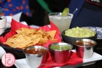 guacamole con totopos & salsas