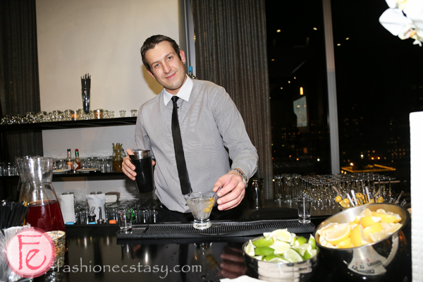 frocktail party 2014 bar tender