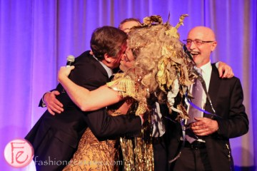 Taylor Mac kissing Mayor John Tory at theatre ball 2015 canadian stage