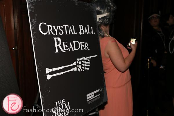 crystal ball reader sign