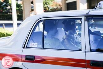 geiko maiko in cab, Gion area kyoto