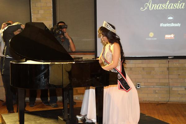 miss world canada anastasia lin playing piano