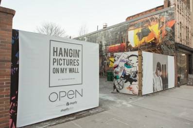 hangin' pictures on my wall open by shopify