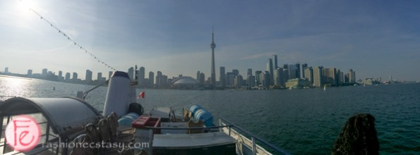 toronto city skyline mariposa cruises