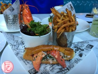 lbs lobster roll