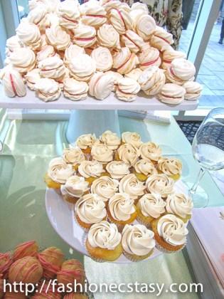 Guild Inn Estate wedding cupcakes
