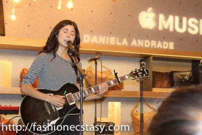 Daniela Andrade apple music