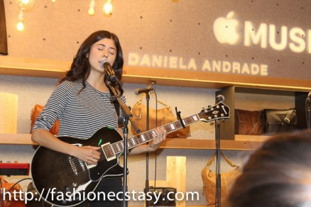 Daniela Andrade apple music