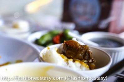 半筋半肉的牛肉咖哩b (beef curry with tendon at Taichung Xinshe Castle Wine chateau Restaurant)