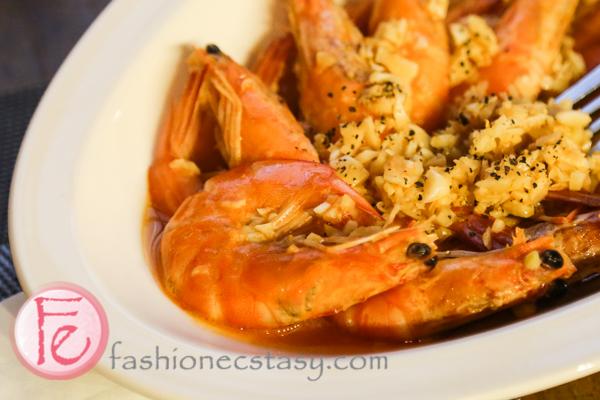 葡萄酒蒜蓉蝦 ($380)/ Garlic Shrimp with wine ($380)
