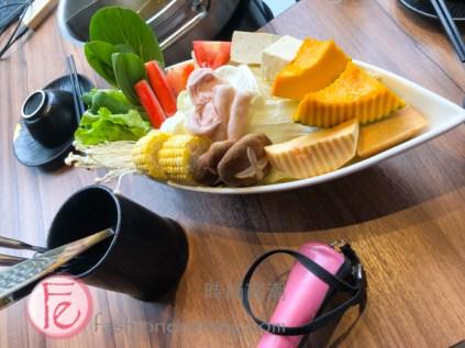"時尚高潮食記:台北東區「鍋&Bar 」餐廳:「蔬菜盤」 (Guo & Bar's ""veggie plate"")"