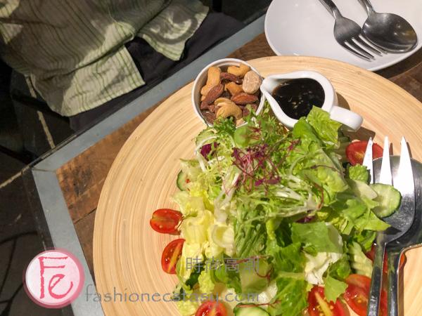 田園堅果沙拉 ($188) / Garden Nut Salad ($188)