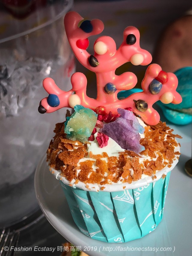 / Coral Lemon Pound Cup Cake - Honey Chantilly, Pineapple Amber Candy, Chocolate Coral