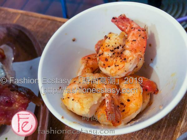 """「凱撒沙拉」加「碳烤蝦仁」 ($460) / """"Caesar Salad with """"shrimps"""" ($460):"""