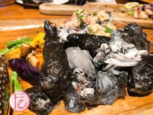 """「黑美人烤雞」花蓮「天生好米」內陷 / """"Black Roast Chicken"""" with Hualien rice stuffing"""