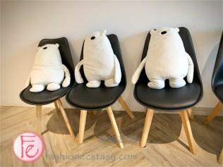 時尚高潮食記 北極熊寶拉熊抱枕 / Polar Cafe MRT Ximen flagship storepolar ear cushion