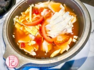 """老先覺「酒釀鮮茄鍋」($165)/ Old God's """"tomato Pot"""" ($ 165nt)"""