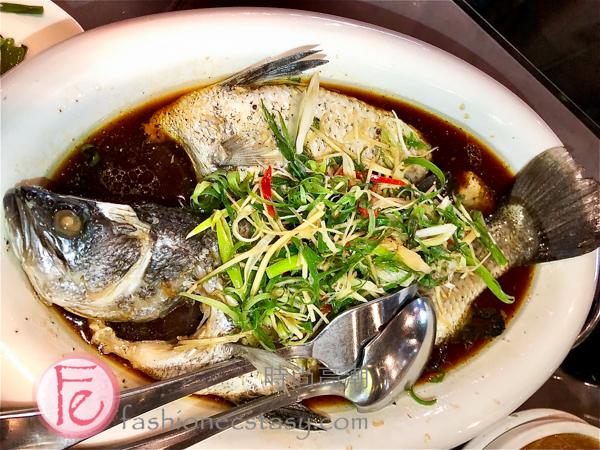 """「泰式檸檬鱸魚(單點價: $480) / """"Thai-style whole fish"""""""