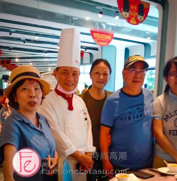 名廚阿基師與來賓合照/ photo with celebrity chef A-Chi (Cheng Yen-chi)