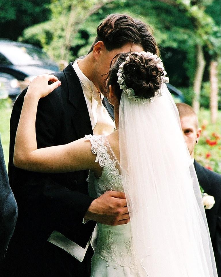 Him vs Her: Wearing Glasses on Your Wedding Day - Fashion Eyeglass World