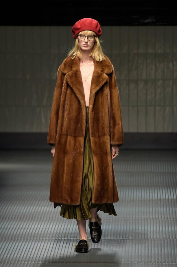 inverno caldo con cappotti e pellicce