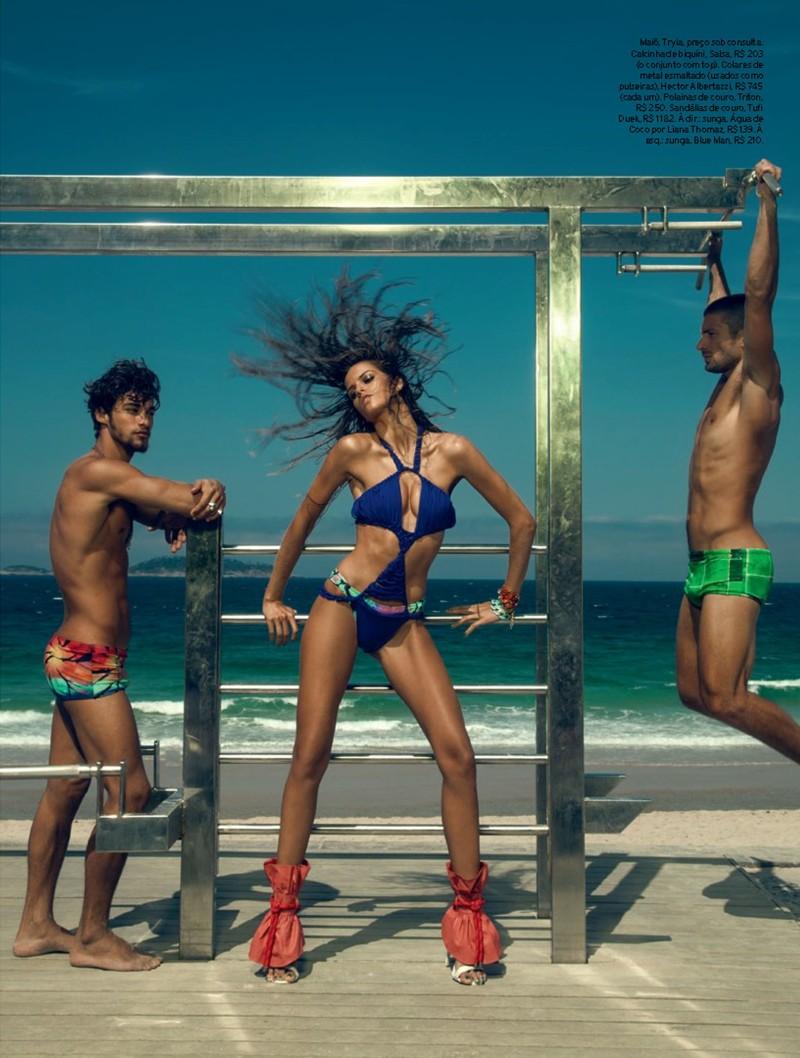 izabel goulart2 Izabel Goulart Rocks Sexy Beachwear Looks for Elle Brazil