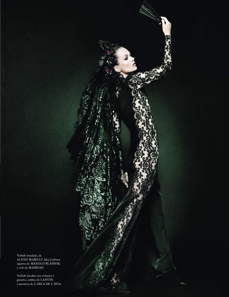 TestinoKate14 Kate Moss Has a Flair for the Dramatic in Vogue Spain December, Shot by Mario Testino