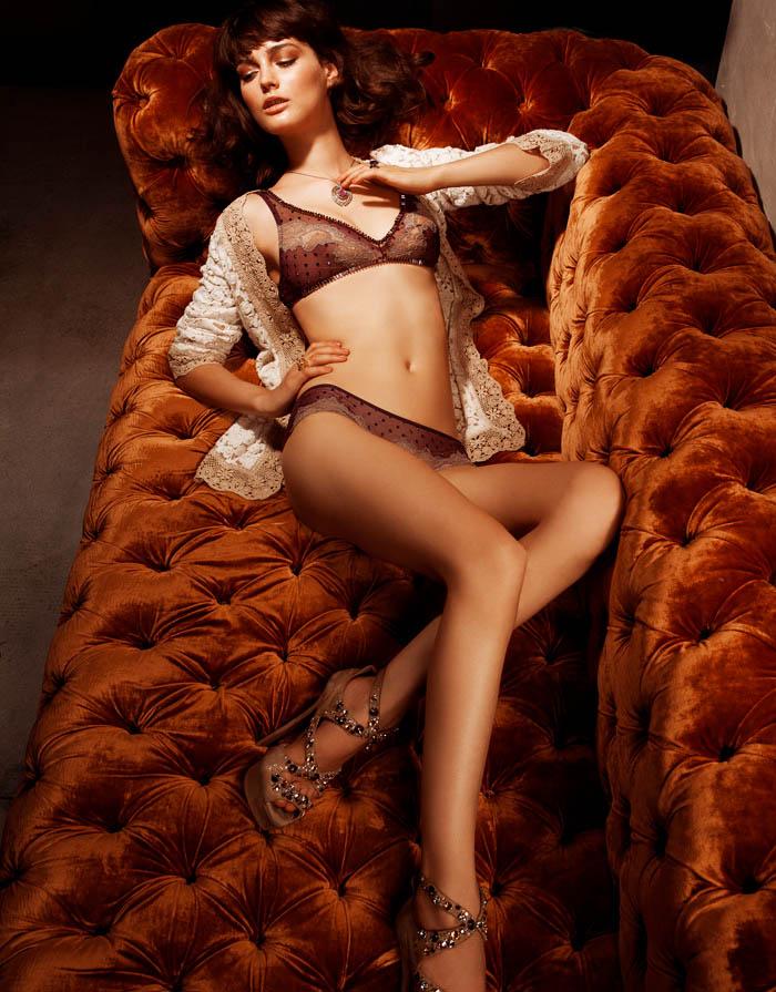 lingerie3 Ксения Назаренко получает спальнями готова к Dominical Журнал Даниэль Бартоломе