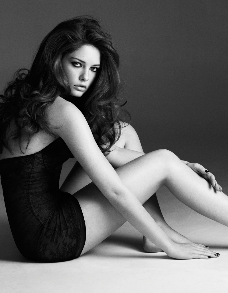 Sandrah Hellberg Sizzles In Cafe Magazine May 2013 By