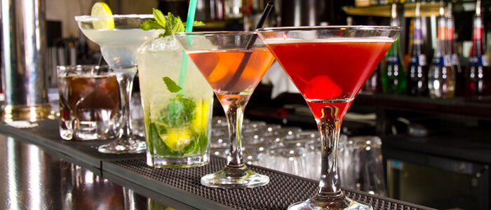 3 Cocktails You Can Make to Thoroughly Impress Your Date