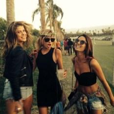 Summer Music Festival Chics - Boho & Hippie Style (1)