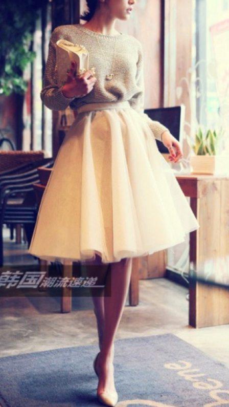 tulle skirt, heels, sweater trend