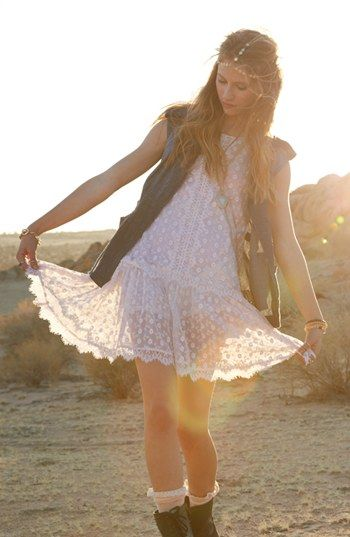 festival outfit inspiration crochet dress