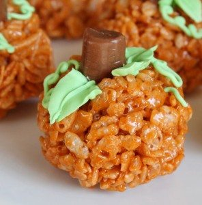 mini pumpkin rice krispy halloween treats