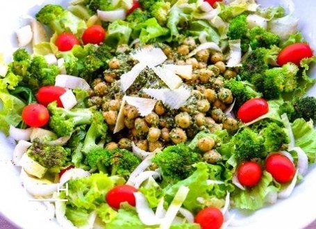 Chickpea and Broccoli Salad with Rocket Pesto and other healthy food blogger recipes from Instagram!