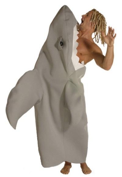 16 Hilarious men's halloween costumes - Shark Attack