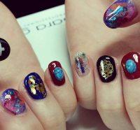 Stone Nail Art: The New Manicure Craze On Social Media ...