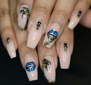 stylish acrylic nail design