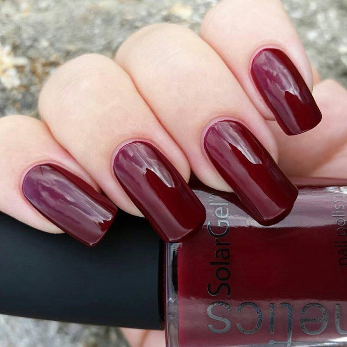 The-Biggest-Fall-2018-Nail-Trends-burgundy nails