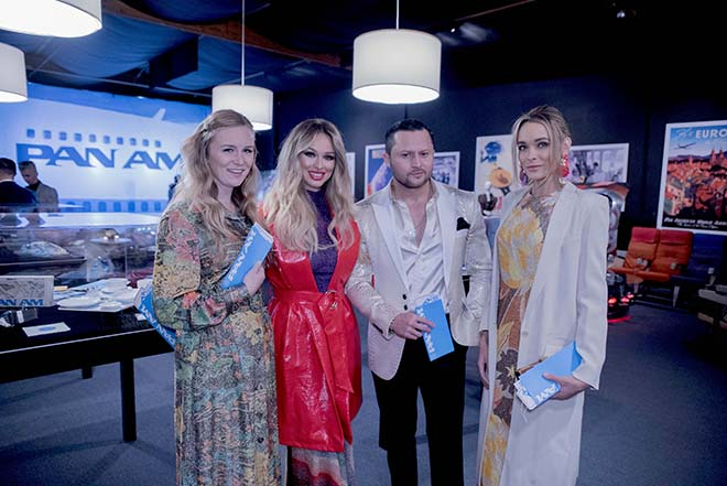 The_Fashionisers_Team_at_the_Pan_Am_Experience_Malorie_Mackey_Katarina_Van_Derham_Holley_Wolfe_Oskar_Rivera-1