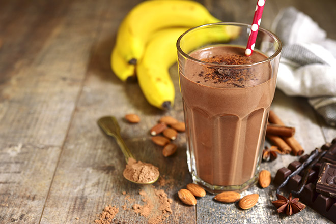 six-simple-ways-to-lose-weight-no-matter-how-busy-you-are-protein-shake