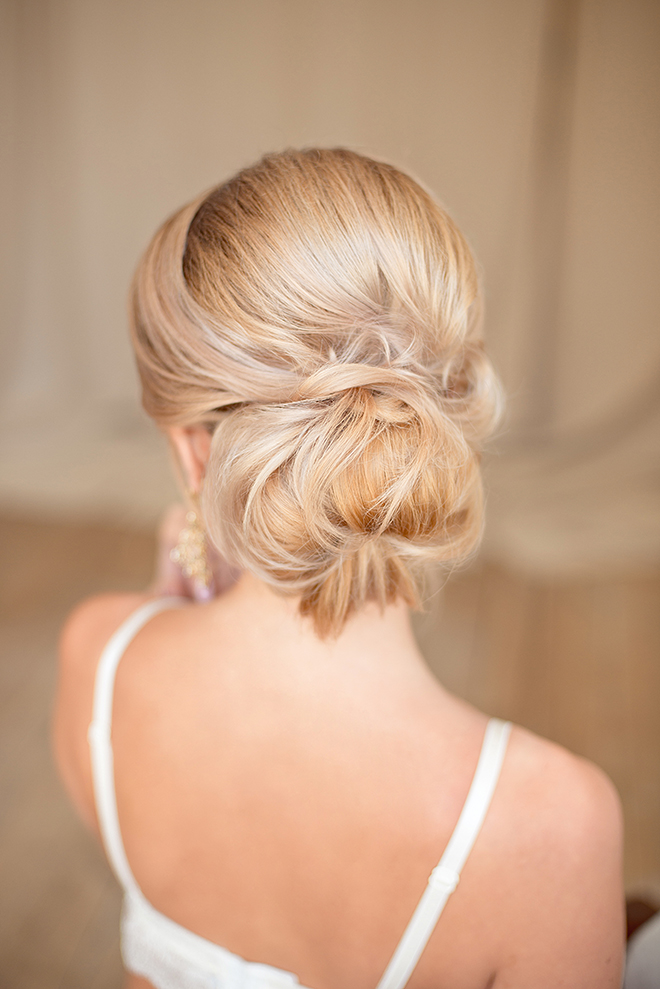 12-Best-Hairstyles-for-a-Student-Party-low-bun